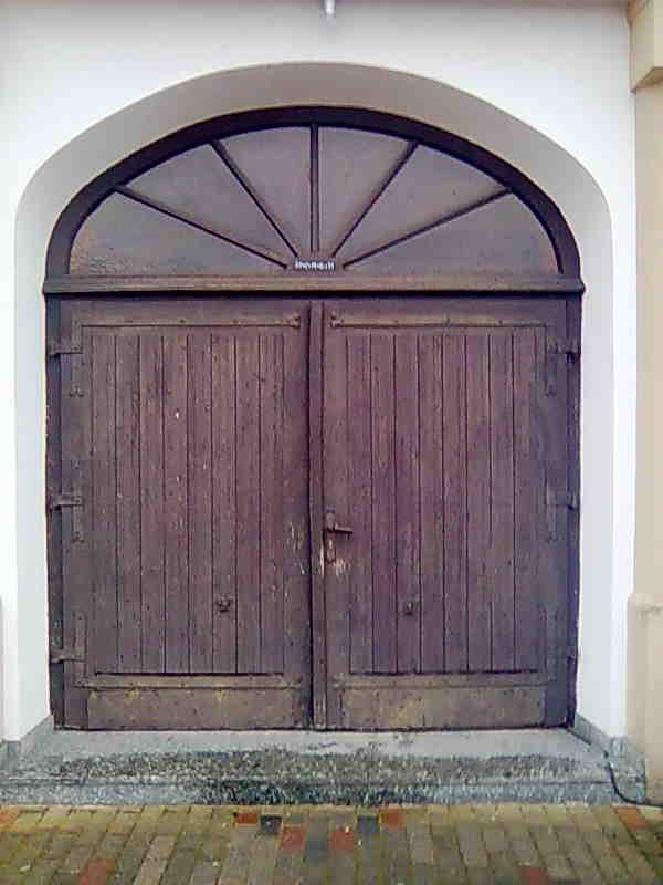 Altes Kirchenportal